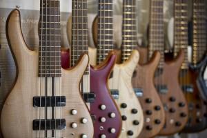 buying a bass guitar